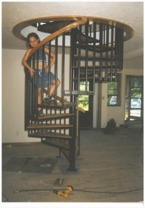 116 Indoor Spiral Staircase Round Balusters