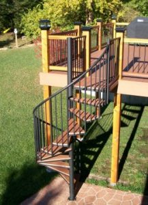 209 Outdoor Staircase Round Tubing Handrail Composite Treads