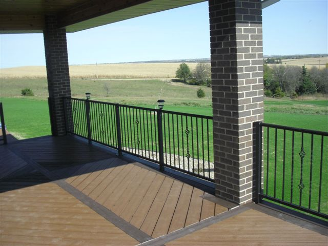 306 Exterior Staircase Top Steel Pipe Rail