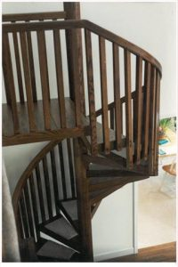 402 Wood Spiral Stairs Square Balusters