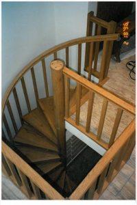 405 Interior Wood Stairs Square Balusters